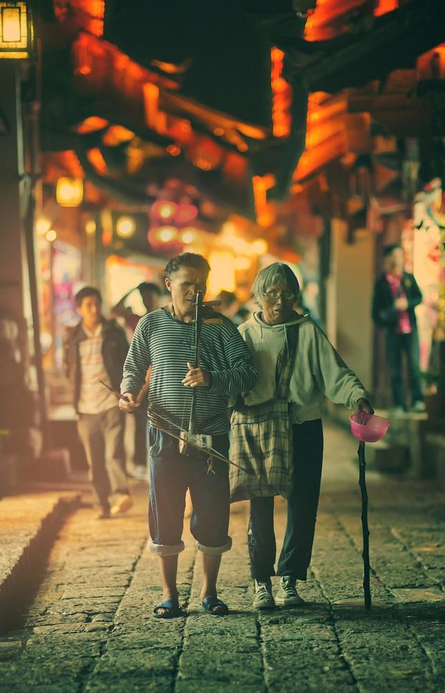 Walking blind, Lijang, China, Photo by Trey Ratcliff