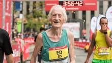 Ed Whitlock has racked up about three dozen running records, and on Sunday the octogenarian set another one in the Toronto Waterfront Marathon