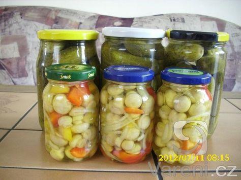 Velmi dobrý nálev na výborné okurky houby i zeleninu.
