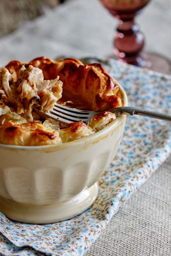 Chicken & Chorizo Pie #recipe #pie #dinner