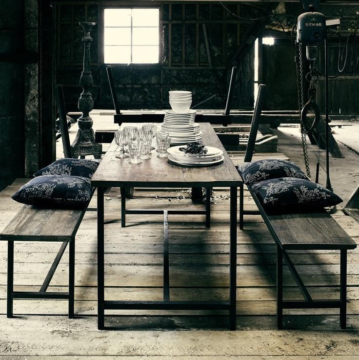 Nordal, Spisebord i træ m jernstel www.droemmeliv.dk