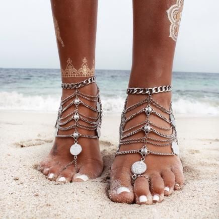 Channel your inner boho with statement-worthy barefoot sandals like these on Helen of Gypsy Lovin Light. #Summer #Accessories