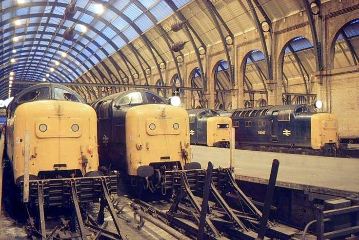 55010, 55013, 55008 and 55007 make an amazing sight at Kings Cross on 28th November 1981. (Robert Peach)