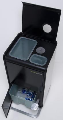 Clutter-free Recycling Bin