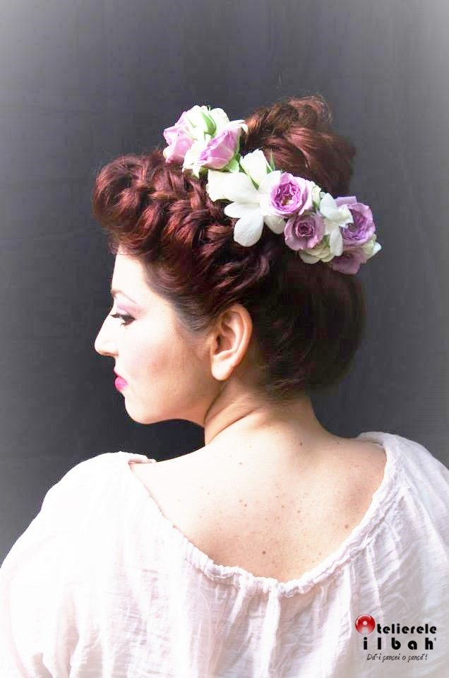 Another great combination with flowers and braids, look by Atelierele ILBAH.