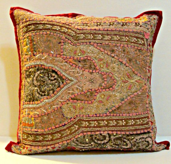 Vintage Floor Pillows : 1000+ images about Vintage Moroccan style inspiration on Pinterest Floor cushions, Bedroom ...