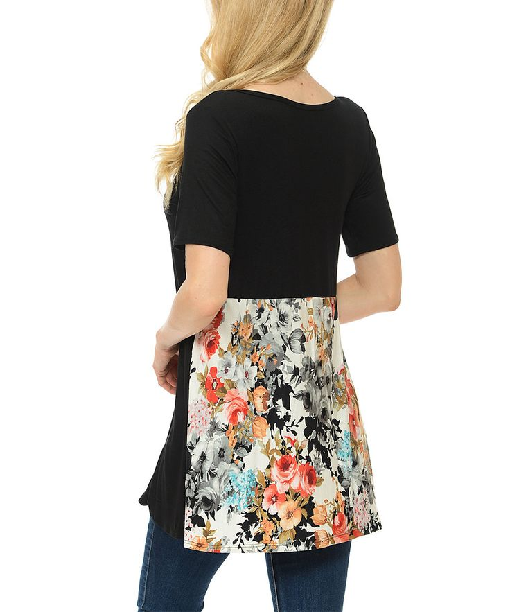 Black Floral-Contrast Scoop Neck Top - Plus