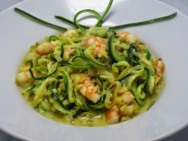 Espaguetis de calabacín con puerro y langostinos Ana Sevilla cocina tradicional