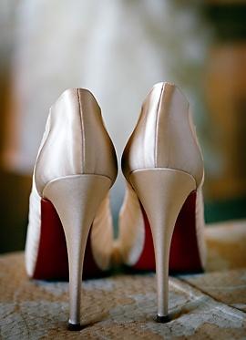 Zapatos novia Christian Louboutin http://www.bodacor.com/la-novia/accesorios-complementos