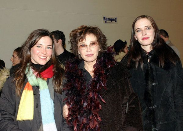 Eva Green (r) with her twin sister Joy and her mother Marlene Jobert