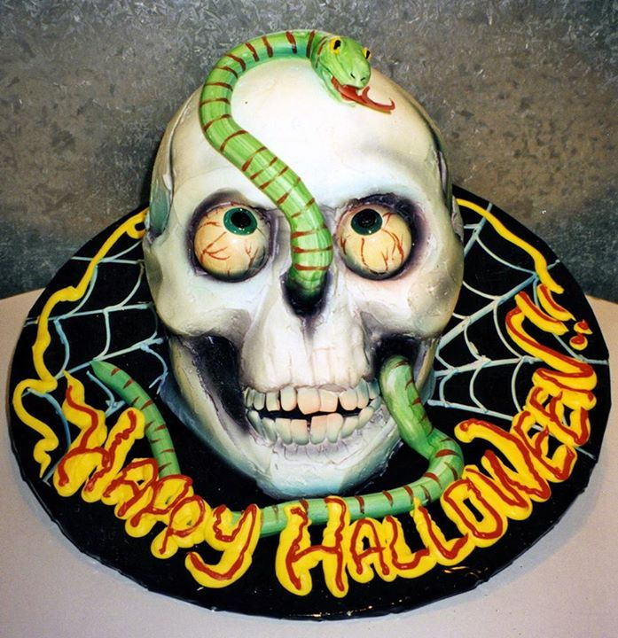 awesome detail on this skull cake by rosebud cakes beverly hills california