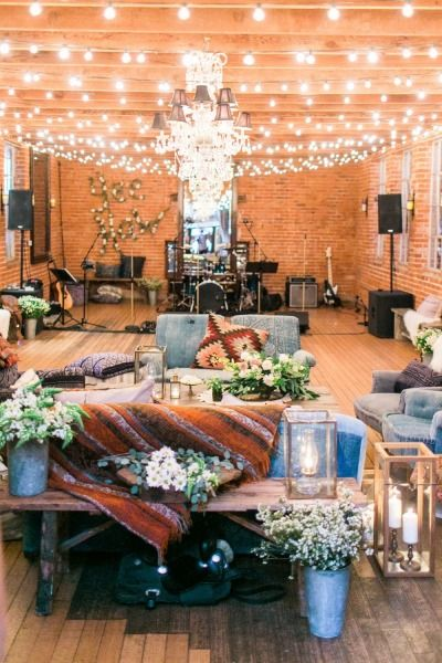 Southwestern party: http://www.stylemepretty.com/living/2015/05/15/tassels-and-tastemakers-wild-west-inspired-party/ | Photography: Troy Grover - http://troygrover.com/