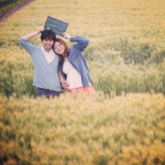 #マタニティー 滋賀県でマタニティ撮影! さっ 自宅の次は琵琶湖で撮りましょう! とか言ってたのに、途中で見つけた麦畑が綺麗すぎてストップ。 みら君。 もうすぐ会えるね〜!! #結婚写真 #花嫁 #プレ花嫁 #結婚 #結婚式 #結婚準備 #婚約 #カメラマン #プロポーズ #前撮り #エンゲージ #写真家 #ブライダル #ゼクシィ #ブーケ #和装 #ウェディングドレス #ウェディングフォト #七五三 #お宮参り #記念写真 #ウェディング #IGersJP #weddingphoto #bumpdesign #バンプデザイン