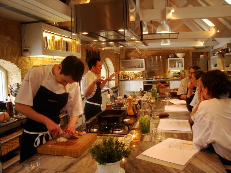 32 best images about cooking classes on pinterest for Perfect kitchens chipping norton