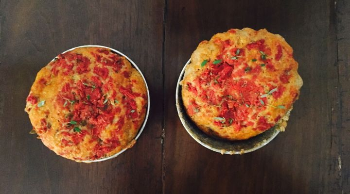 Pizzette integrali al tegamino cotte al forno