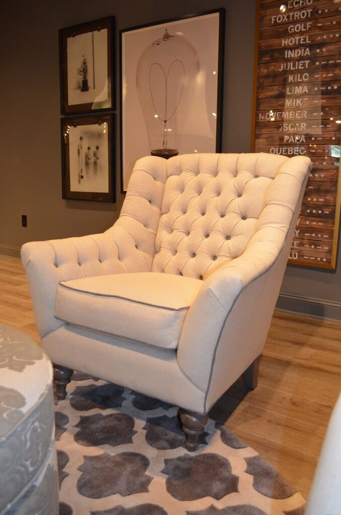 Accent chair craftmaster furniture for paula deen home collection paula deen home for Paula deen living room furniture