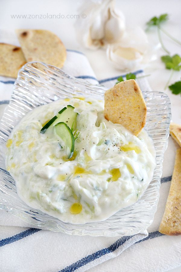 Tzatziki greco - Salsa allo yogurt e cetrioli - Greek yogurt and cucumber sause