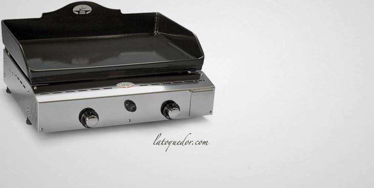 Plancha Forge Adour Prestige 600 offrant une plaque en fonte émaillée pour une puissance de 6,6 KW.