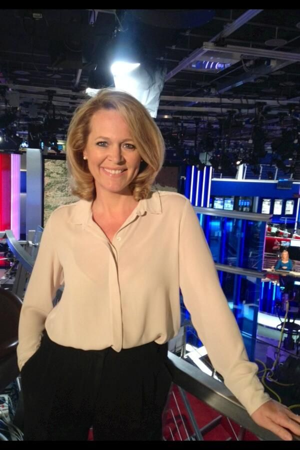 Lorna Dunkley From Sky News Just Look At This Beautiful
