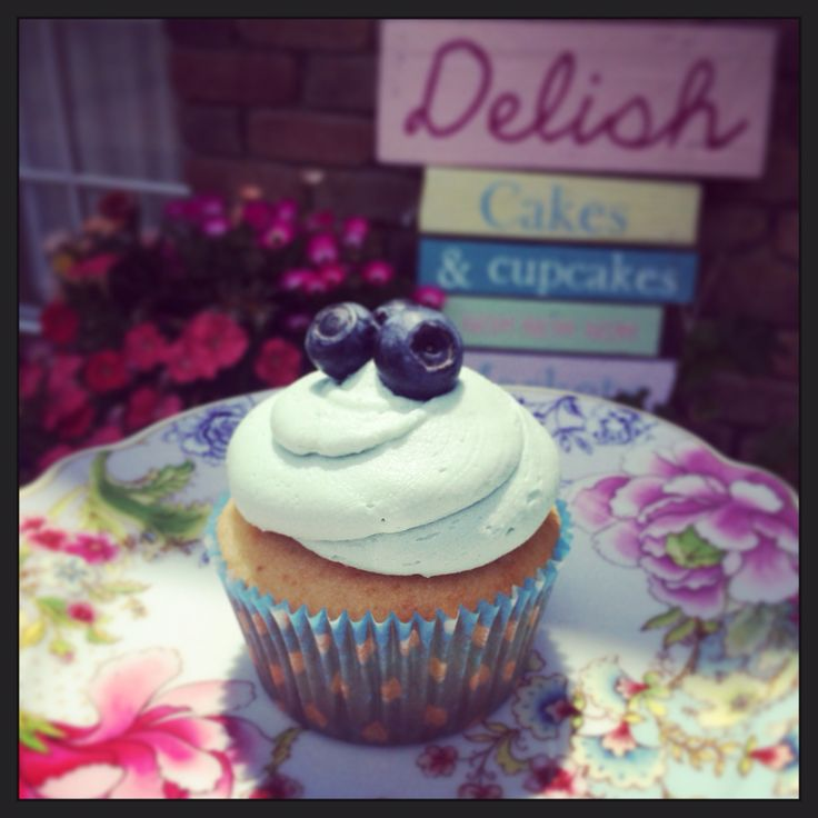 My favourite... Blueberry Cheesecake Cupcake. Blueberry cupcake with cheesecake filling and vanilla buttercream