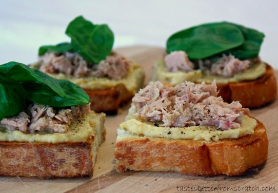 Tuna, Hummus and Spinach sandwich. Perfect after a workout.