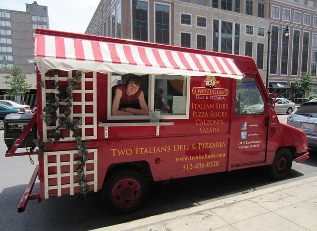 Two Italians Food Truck  @twoitalians     by fotoflow / Oscar Arriola, via Flickr