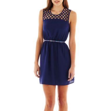 My Michelle Cage-Top Belted Dress Striking lattice details will draw eyes to the neckline of our cage-top dress for a stop-and-stare effect that you'll love to sport day or night.