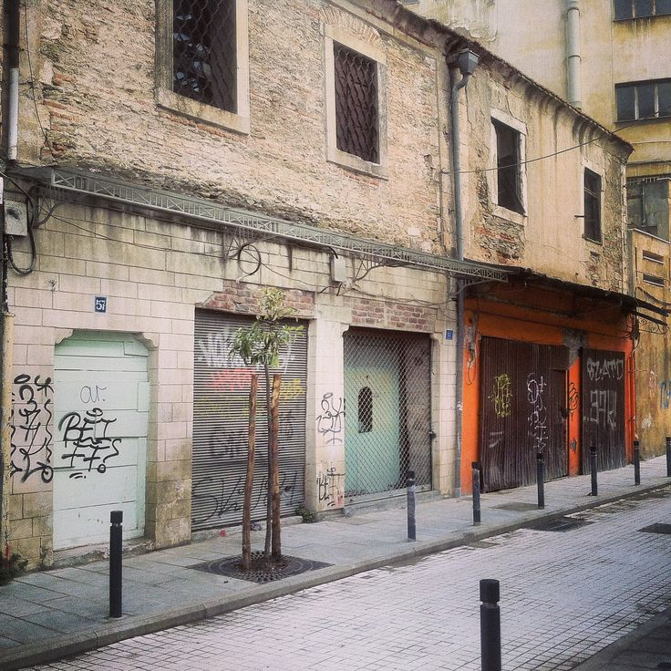 Some of the oldest buildings in Thessaloniki can be found in Ladadika district that survived the big 1917 fire. Walking Thessaloniki app, Route 01 - Port (Download for FREE) #travel #guide #Greece #iPhone #view