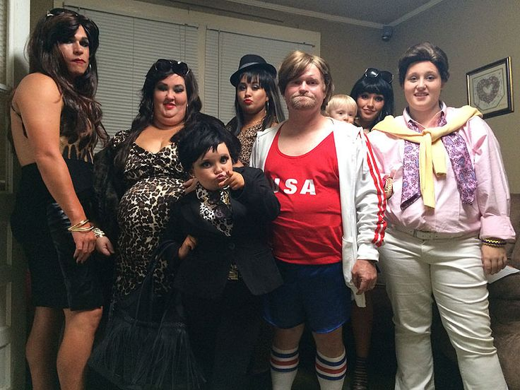 """The Cast Of """"Honey Boo Boo"""" Dressed Up As The Kardashians I'm sorry this is just hilarious. . Especially honey boo boo as the mom"""