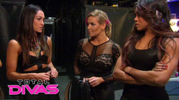 The Divas discuss Eva Marie's training: Total Divas Preview Clip, July 7...