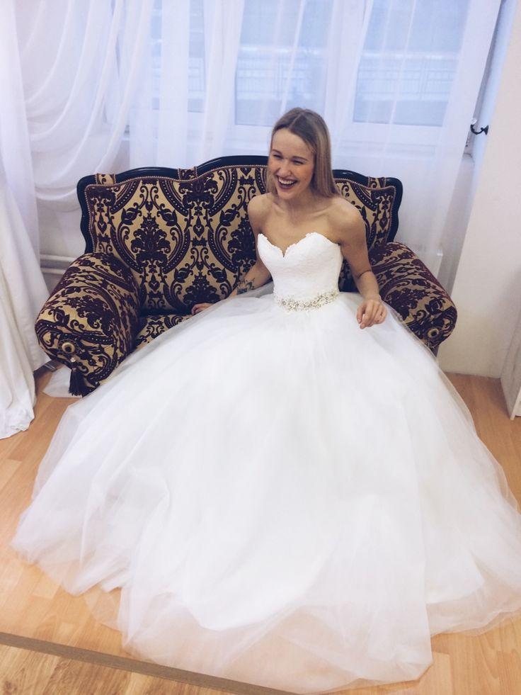 http://sb-charme.ru Свадебный Бутик Charme — В жизни есть лишь одно счастье - любить и быть... #свадьба #любовь #невеста #платье #свадебноеплатье #wedding #weddingdress #CelineCrystalDesing #dress #sbcharme