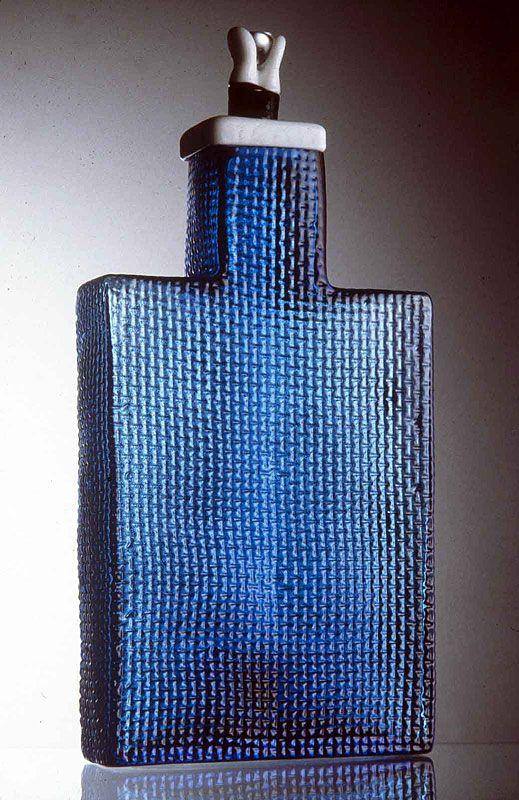 Korttelipullo 1995 (Block bottle), designer Markku Salo, Finland