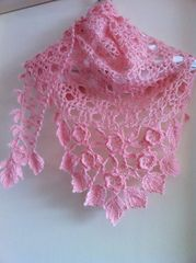 Ravelry: p.03 Irish Crochet Lace Mini Shawl pattern by Mayumi Kawai (河合真弓)