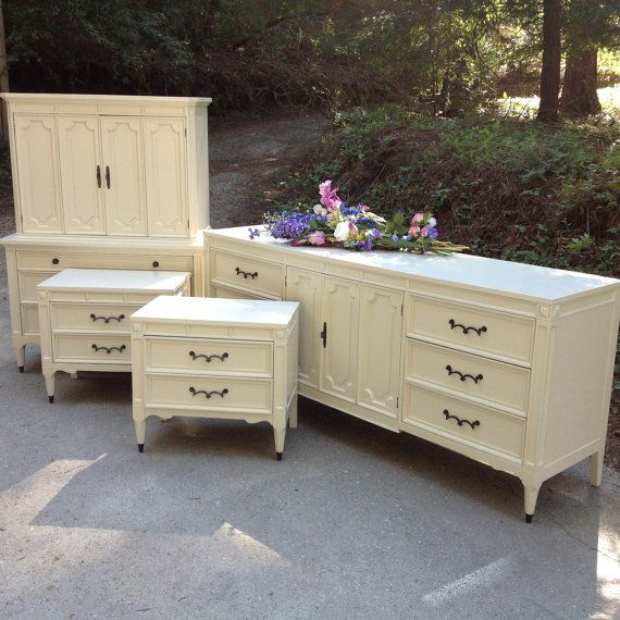 Vintage 1960 39 s neoclassical american of by for American martinsville bedroom furniture