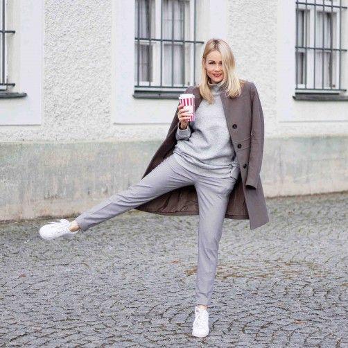stylingliebe-fashionblog-muenchen-munich-blogger-fashionblogger-bloggerdeutschland-lifestyleblog-modeblog-muenchen-germanblogger-styleblog-bundfaltenhose-a-la-streetwear-chic