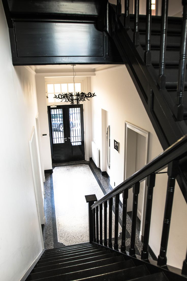 Gerenoveerd trappenhuis monumentaal pand