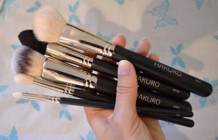 Hakuro brushes H54, H21, H13, H74, H76