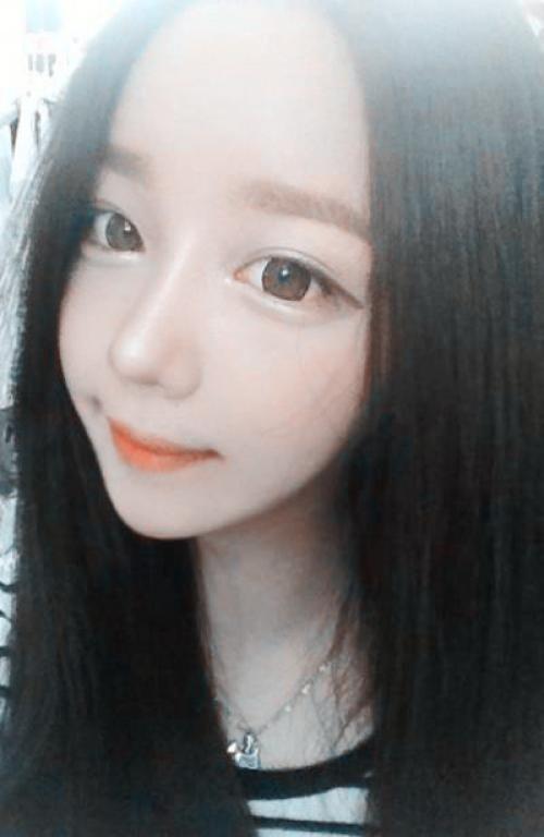 15136_yoon-ara.jpg 500×768 Pixel