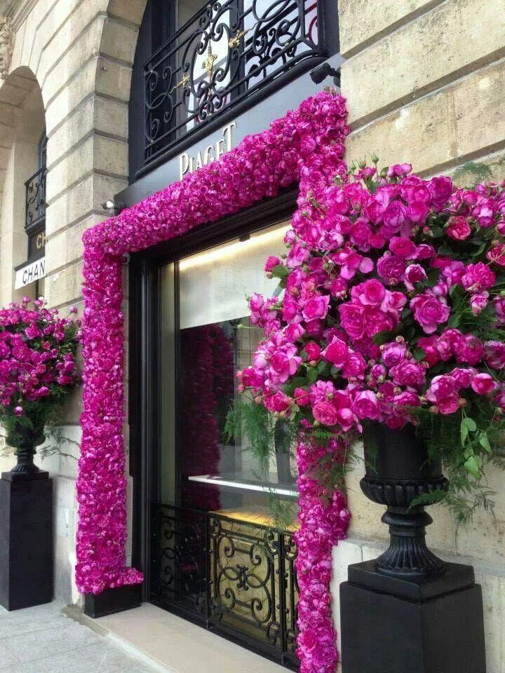 Piaget store front in Paris - diamonds