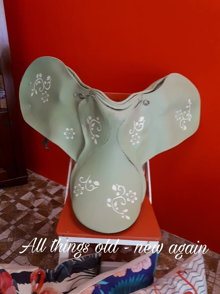 Upcycled saddle into great walldecor  - SOLD)