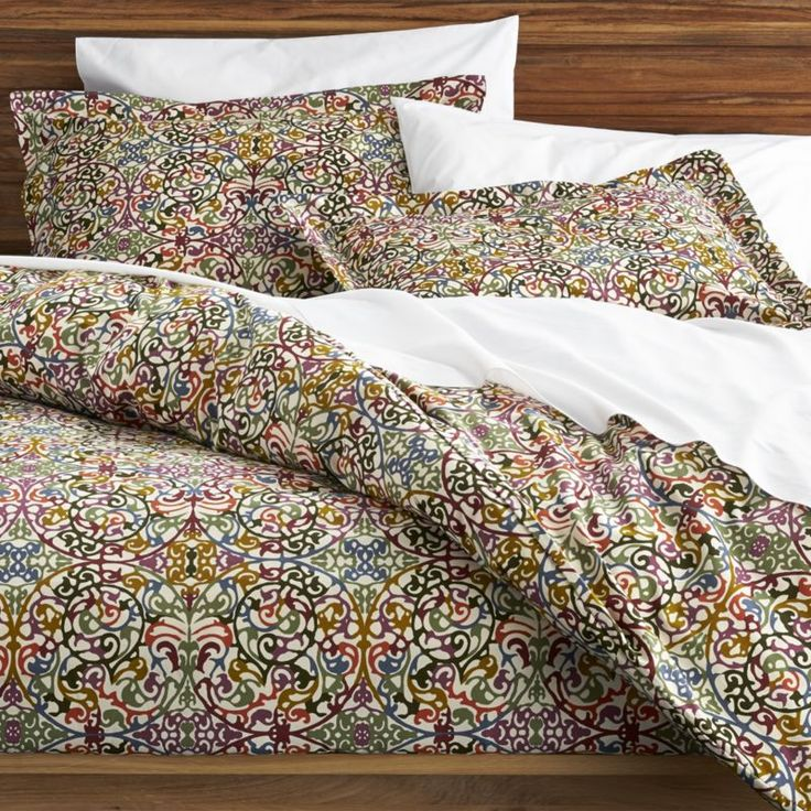 Shop for bed linens at Crate and Barrel. Browse bedding collections including duvet covers, quilts, sheets, pillows, mattress pads and more. Order online.