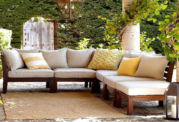 Patio couch out of palets wooden outdoor sofas for Sofa chill out exterior