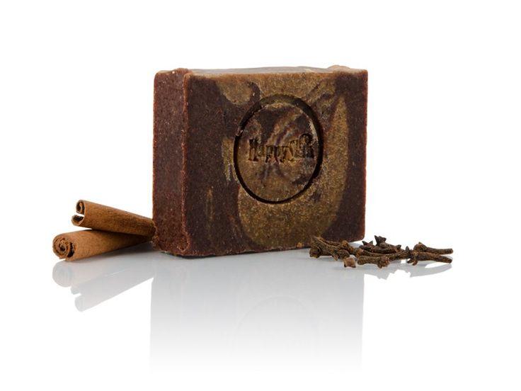 Borvarázs szappan fahéjjal és szegfűszeggel.  A termék raktáron. Ára 1090 Ft.