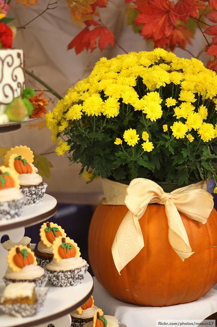 Fall Baby Shower    #pumpkin #flowers #cupcakes