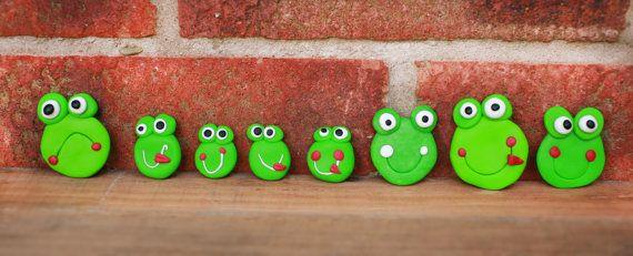Fridge magnet Frog magnet Handmade animal by handmadeBYmamas