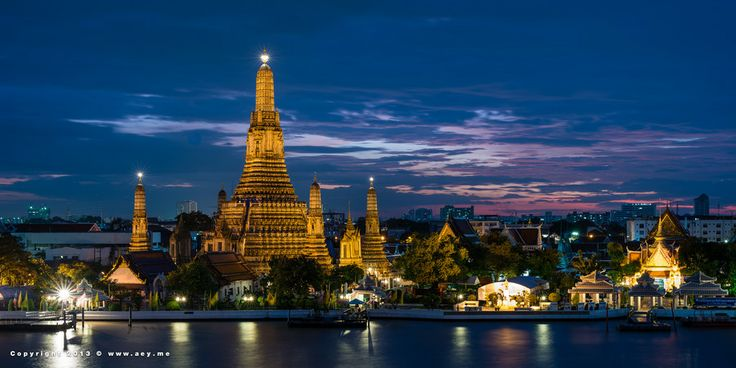 Wat Arun (the Temple of Dawn) by Aey SrirathSomsawat on 500px