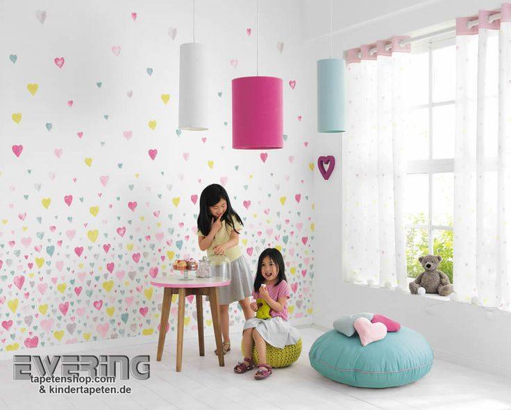 Alice & Paul 04 - Schmücken Sie das Mädchenzimmer mit einem Wandbild und bunten Herzchen.