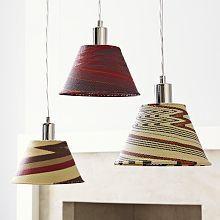 Lampes paniers en fil de téléphone. Afrique du sud.