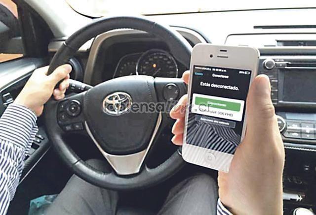 """Así que el servicio no es tan seguro, me gustaría saber como esta la situación en Costa Rica. (Benjamín Núñez Vega)  """"Los nombres de los usuarios así como sus correos electrónicos y números de teléfonos móviles fueron robados, informó Dara Khosrowshasi en un comunicad""""  57 millones de usuarios Uber fueron pirateados https://www.laprensalibre.cr/Noticias/detalle/126307/57-millones-de-usuarios-uber-fueron-pirateados"""