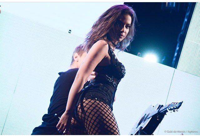 """Brazilian Singer Anitta @anitta New single: """"Vai Malandra"""" in Spotify YouTube iTunes  #anitta #vaimalandra #merrychristmas #feliznatal #feliznavidad #natal #navidad #usa #timessquare #nyc #newyork #canada #germany #portugal #lisbon #lisboa #paris #italy #mexico #mexican #colombia #latina #losangeles #washington #america #japan #miami #summer #miamibeach #london"""